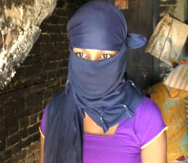 पीडित विद्यार्थिनीने आरोप केला की, प्रिन्सिपलने ऑफिसमध्ये बोलावून किस केले. - Divya Marathi