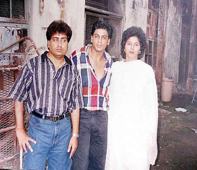 चुलत बहीण नूरजहां आणि तिच्या पतीसोबत शाहरुख खान - Divya Marathi