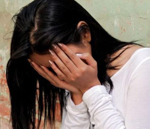 पीडित विद्यार्थिनीला शिक्षक म्युझिक शिकवण्याच्या बहाण्याने शाळेच्या एका खोलीत घेऊन गेला होता. (प्रतिकात्मक फोटो) - Divya Marathi