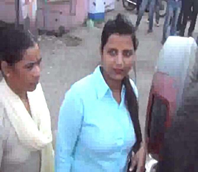 पोलिस कस्टडीत महिला. - Divya Marathi