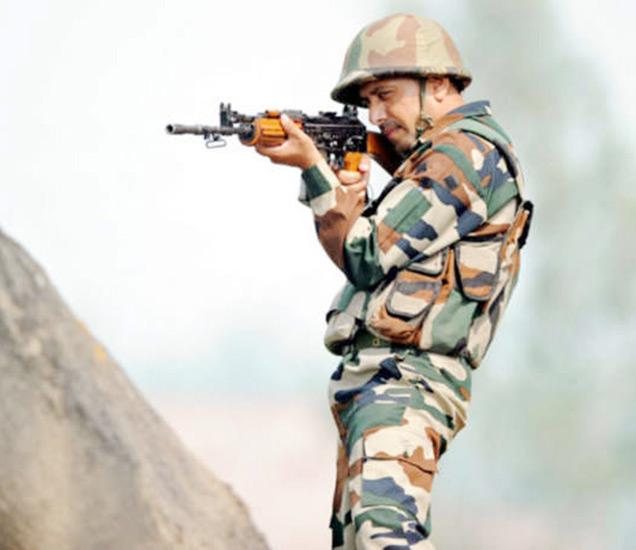 पुलवामाच्या राजपोरा पोलिस ठाण्याजवळ पोलिसांच्या तुकडीवर दहशतवाद्यांनी हल्ला केला.  या हल्ल्यात एक जवान शहीद झाला. (फाइल) - Divya Marathi