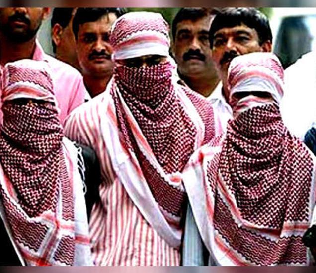 आरोपींची नावे मोहम्मद मुजम्मिल, मोहम्मद सादिक, मोहम्मद इलियास, मोहम्मद इरफान आणि मोहम्मद अकरम आहेत. - Divya Marathi