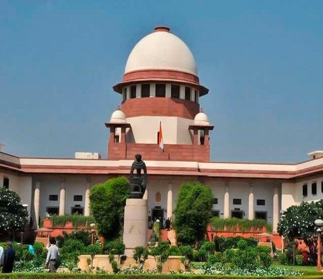 सज्ञान तरुण-तरुणीला अंतरजातीय विवाह करण्याचा अधिकार असल्याचे सुप्रीम कोर्टाने म्हटले आहे. - Divya Marathi