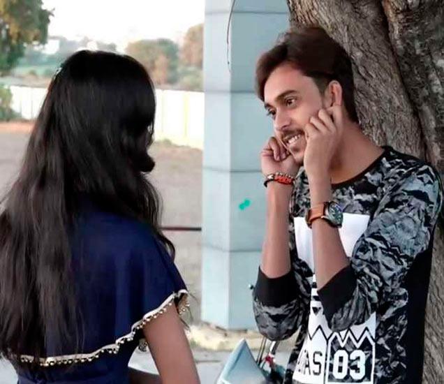 यू-ट्यूबवर लाखो लोकांनी व्हिडिओ पाहिला आहे. - Divya Marathi