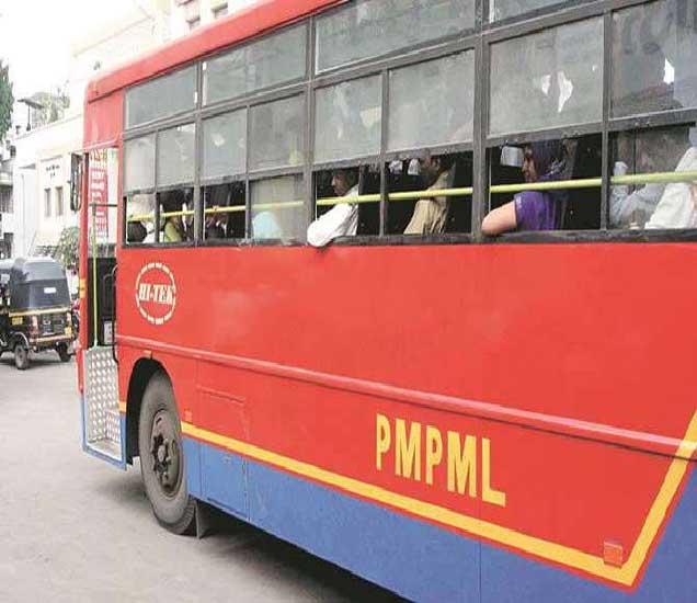 पीएमपीच्या आसने नीट नसल्याने अनेकदा प्रवाशांनी संताप व्यक्त केला आहे. (संग्रहित फोटो) - Divya Marathi