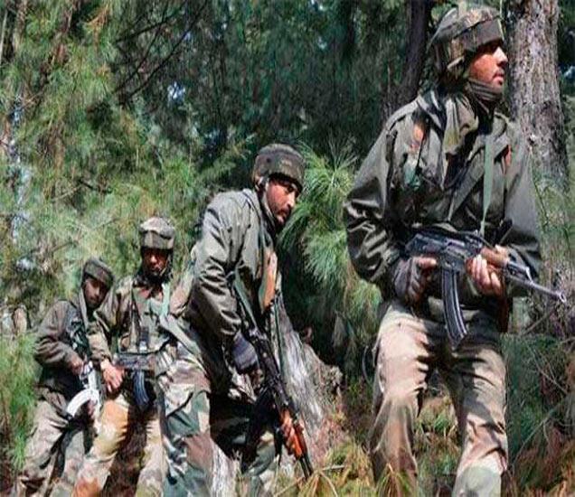 पाकिस्तानकडून होत असलेल्या फायरिंगमध्ये शुक्रवारी आपले दोन जवान शहीद झाले. - Divya Marathi