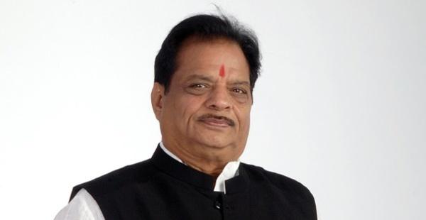 काँग्रेसचे ज्येष्ठ नेते सतीश चतुर्वेदी - Divya Marathi