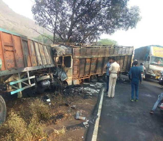 अपघातग्रस्त ट्रक. - Divya Marathi