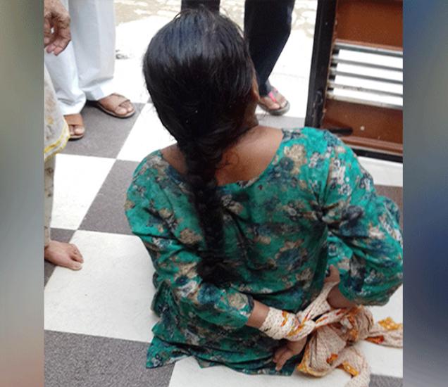महिलेच्या आई वडिलांनी काढलेला फोटो... - Divya Marathi