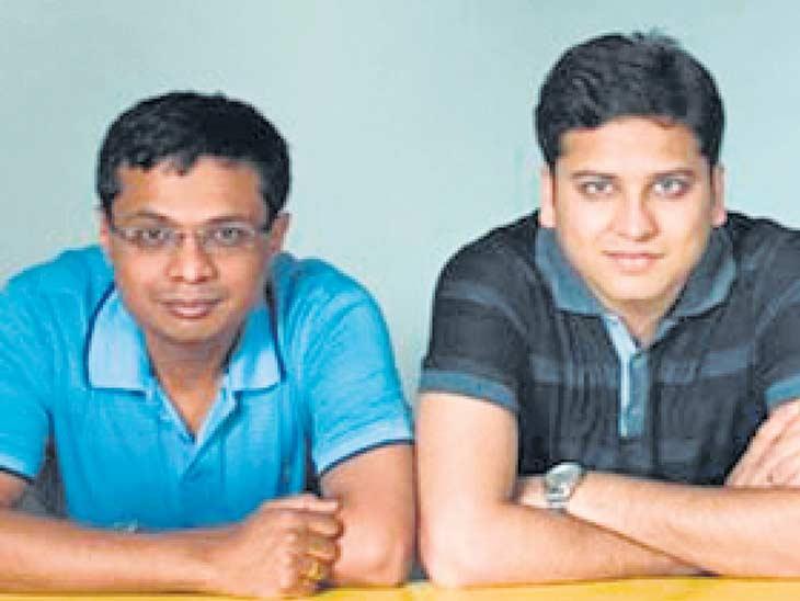 सचिन (उजवीकडे) व बिन्नी बन्सल यांनी 2007 मध्ये कंपनी सुरू केली. - Divya Marathi