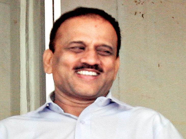 प्रासंगिक- महाजनांची पुन्हा 'आकाशवाणी' ओपिनिअन,Opinion - Divya Marathi