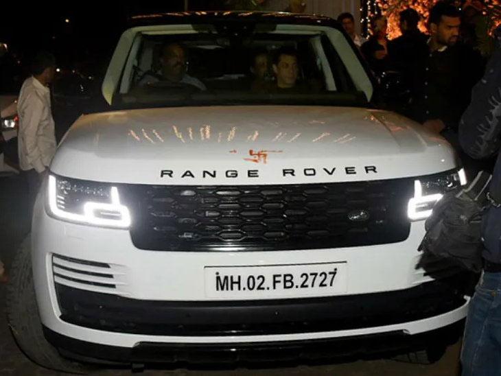 सलमान खाने आईला गिफ्ट केली हायटेक कार, मागील सर्व सीट्सवर 10-इंचाचा टचस्क्रीन, 19 स्पीकर असलेली पॉवरफूल ऑडिओ सिस्टिम|मुंबई,Mumbai - Divya Marathi