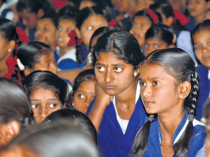 मौन सोडू चला बोलू : शेजारचे काका, शिक्षक यांचीच मला भीती वाटते|औरंगाबाद,Aurangabad - Divya Marathi
