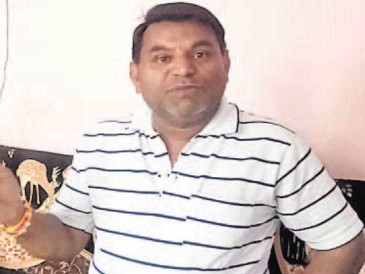 पितृतर्पण: पुलवामामध्ये शहीद जवानांच्या कुटुंबीयांना स्वखर्चाने हरिद्वारला नेणार हा शेतकरी|देश,National - Divya Marathi