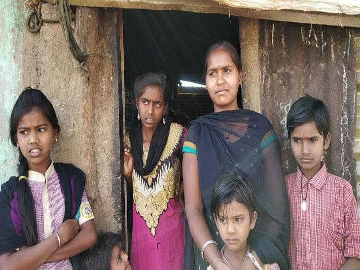 दुष्काळाचे भीषण वास्तव - शेतकऱ्याने जनावरांच्या चारा-पाण्यासाठी बायकोचे दागिणे ठेवले गहाण|औरंगाबाद,Aurangabad - Divya Marathi