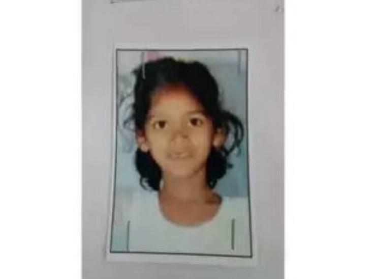 शेजाराच्या बाथरूममध्ये पडली 7 वर्षीय चिमुकली, 4 दिवस फक्त पाण्यावर जिवंत राहिली|देश,National - Divya Marathi