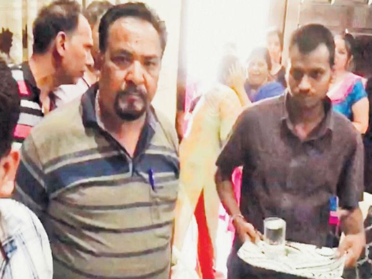 2 पोळ्यां कमी खायला दिल्यामुळे नोकराने मालकिणीची केली हत्या, म्हणाला- 7 पोळ्यांची भुक असायची पण फक्त 5 मिळायच्या|देश,National - Divya Marathi