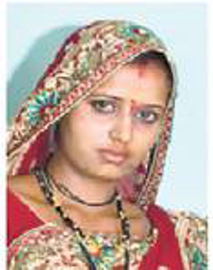 लग्नाच्या 25 दिवसानंतर नववधुने गळफास घेऊन केली आत्महत्या, तीन दिवसांपूर्वीच माहेरवरून सासरी आली होती|देश,National - Divya Marathi