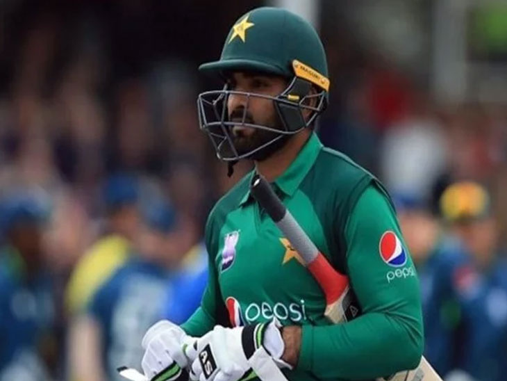 इकडे इंग्लंडमध्ये पाकिस्तानी क्रिकेटर खेळत होता मॅच, तिकडे कँसरने घेतले मुलीचे प्राण|क्रिकेट,Cricket - Divya Marathi