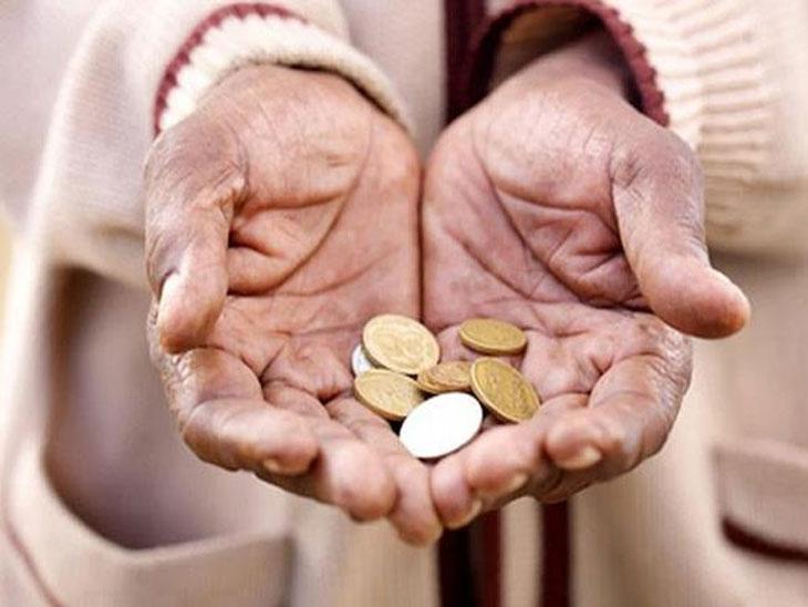 अब्जाधीशांहूनही सर्वसामान्य लोक जास्त दानशूर|ओपिनिअन,Opinion - Divya Marathi