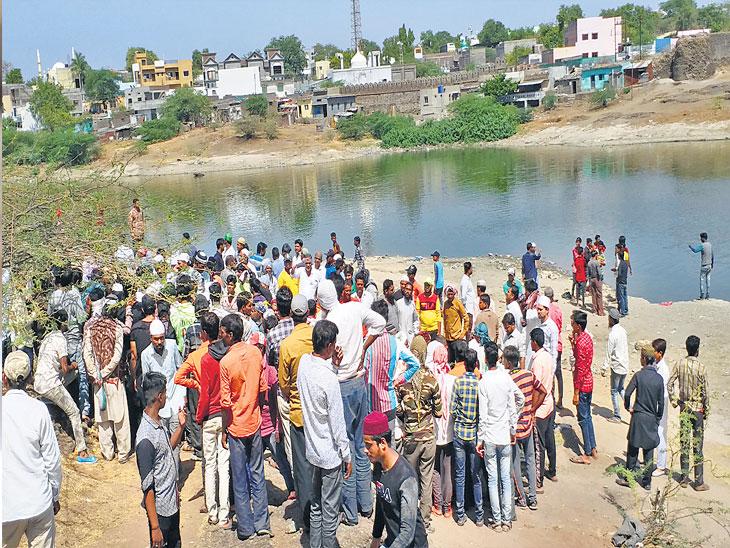 हातपाय धुण्यास गेलेल्या कामगाराचा ताेल गेला; वाचवण्यास गेलेल्यासह दाेघे बुडाले|औरंगाबाद,Aurangabad - Divya Marathi