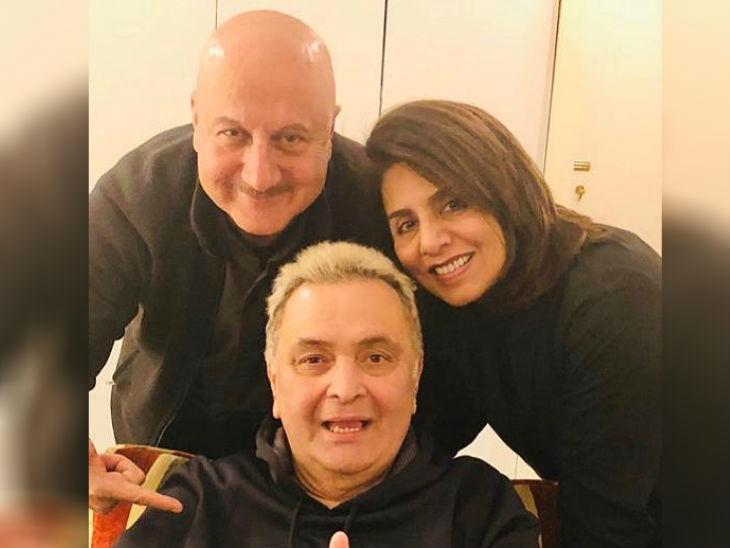 भेट : न्यूयॉर्कमध्ये ऋषी कपूर यांना भेटण्यासाठी पोहोचले राजकुमार हिरानी, काही दिवसातच होणार आहे फायनल सर्जरी  - Divya Marathi