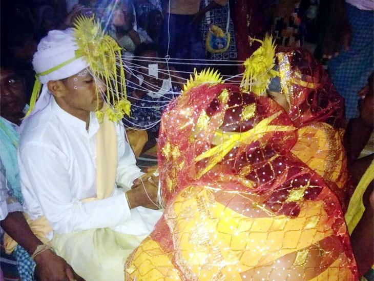 लग्नाची तयारी झाली अन् अचानक मांडवात येऊन धडकली नवरदेवाची प्रेयसी; दोघीही म्हणाल्या आम्हाला याच्यासोबतच लग्न करायचे... मग घडले असे काही...|देश,National - Divya Marathi