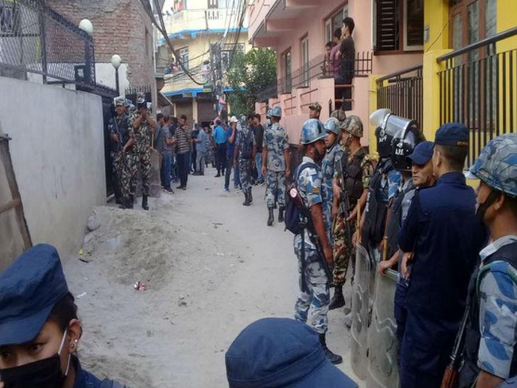 श्रीलंके पाठोपाठ नेपाळमध्येही सीरिअल ब्लास्ट; रविवारी झालेल्या स्फोटानंतर देशभरात हिंसाचार आणि जाळपोळीच्या घटना, 4 ठिकाणी सापडले बॉम्ब विदेश,International - Divya Marathi