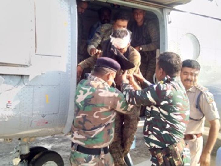 Naxal Attack: झारखंडमध्ये नक्षल्यांकडून आयईडी स्फोट, 16 जवान जख्मी; 7 जणांची प्रकृती चिंताजनक|देश,National - Divya Marathi