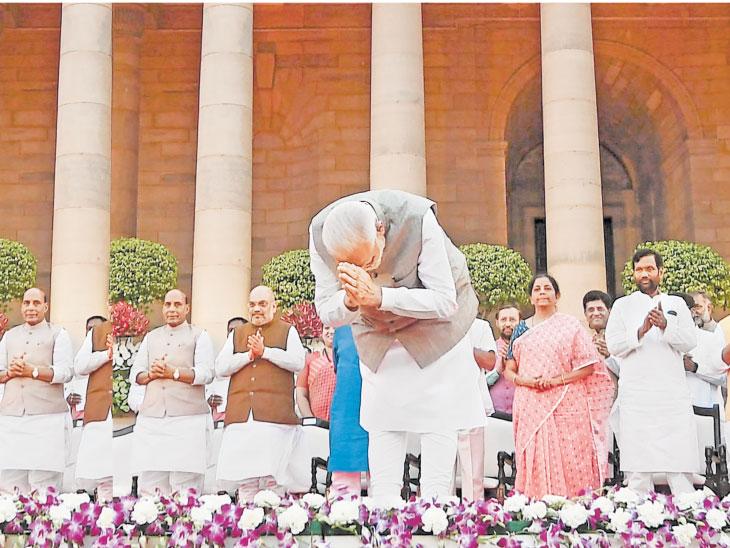 मोदींचे ५७ मंत्री; ३६ जुने तर २१ नवे, मनेका गांधी, राज्यवर्धनसह ३६ मंत्र्यांना स्थान नाही|देश,National - Divya Marathi