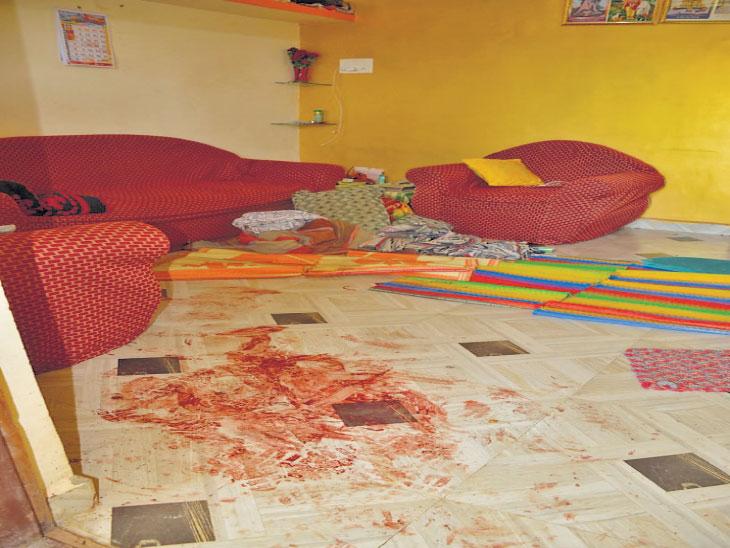 दरोडा/ चड्डी-बनियनधारी दरोडेखोरांनी चौघांना मारहाण करत ६ लाखांचा ऐवज लुटला औरंगाबाद,Aurangabad - Divya Marathi