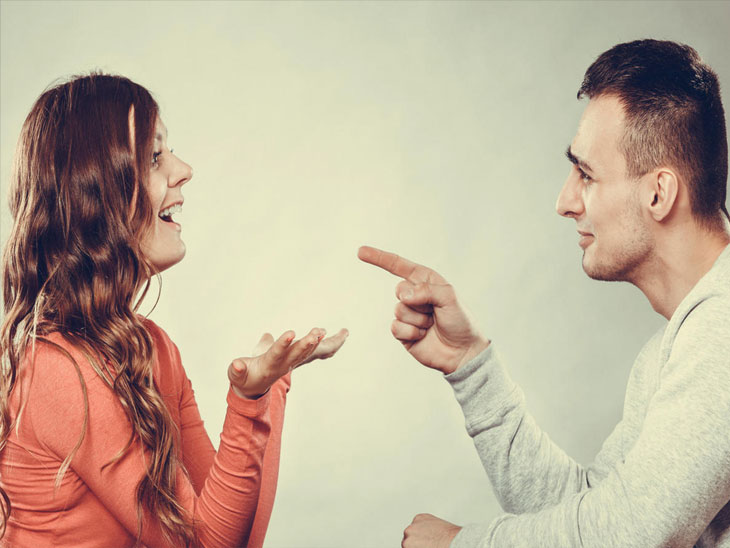 ३३% महिला गुंतवणुकीचे स्वत:च निर्णय घेतात, तर ६४% पुरुष गुंतवणुकीचे निर्णय स्वत:च घेतात : 'डीएसपी इन्व्हेस्टर पल्स'चा सर्व्हे|बिझनेस,Business - Divya Marathi