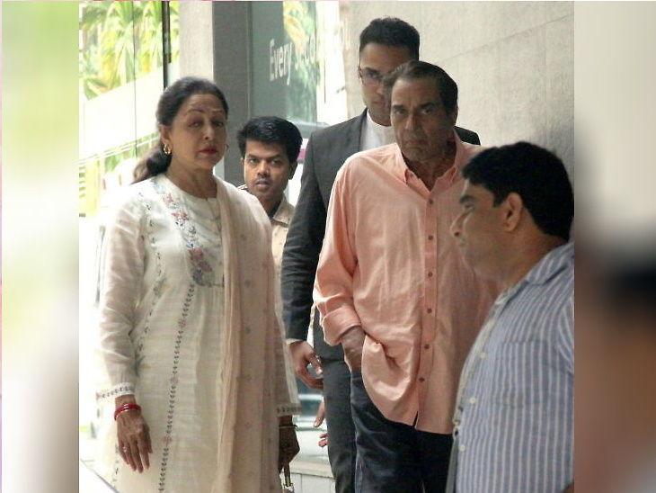 अभिनेत्री ईशा देओलला मिळाला रुग्णलयातून डिस्चार्ज, पती भरत आणि नवजात मुलीसोबत दिल्या पोज  - Divya Marathi