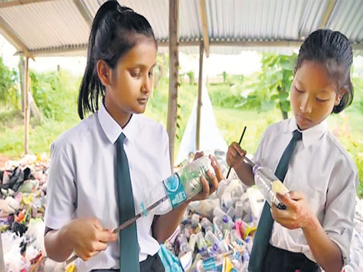 नायजेरियातील अनोखा उपक्रम; शाळेची फी ऐवजी प्लास्टिक बाटल्या जमा करण्यास सांगतात  - Divya Marathi