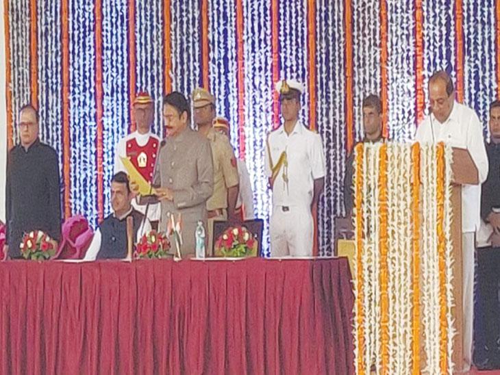 राजभवनात पार पडला मंत्रिमंडळाचा शपथविधी सोहळा, 13 नवीन चेहऱ्यांना संधी तर भाजपच्या काही विद्यमान मंत्र्यांना डच्चू|मुंबई,Mumbai - Divya Marathi