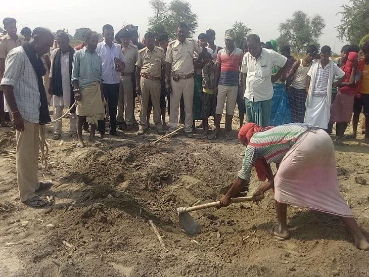 गावातील युवकासोबत होते पत्नीचे अवैध संबंध, पतीने रागाच्या भरात केली हत्या; 3 दिवस जाळला मृतदेह नंतर केला दफन देश,National - Divya Marathi