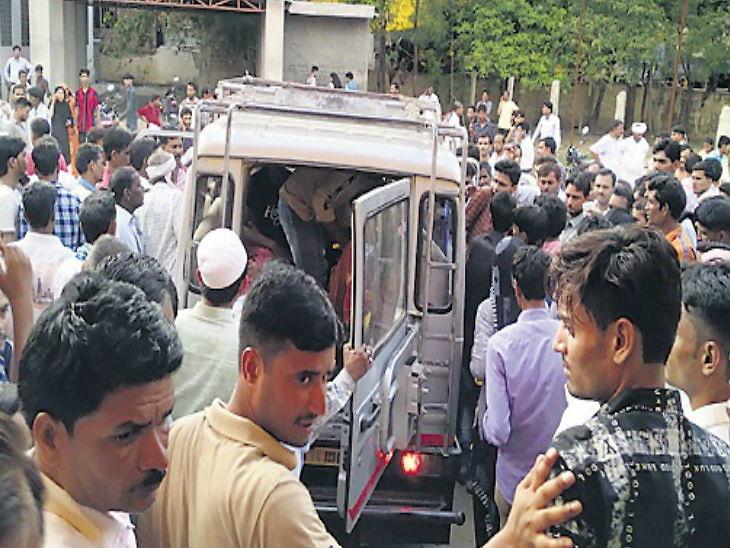 राजस्थानमध्ये लग्नासाठी निघालेला वरातीचा टेम्पो उलटला, 7 महिलांसह 9 जणांचा मृत्यू...|देश,National - Divya Marathi