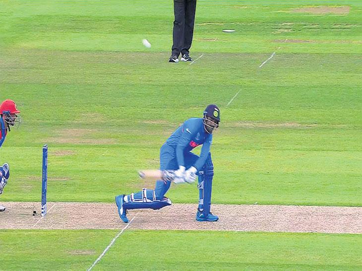 अफगाणविरुद्ध भारतीय संघातील फलंदाजांच्या चुका; बचावात्मक खेळ, सुमार फटके, नियोजनाच्या अभावाने भारतीय फलंदाजीचा उडाला गोंधळ|स्पोर्ट्स,Sports - Divya Marathi