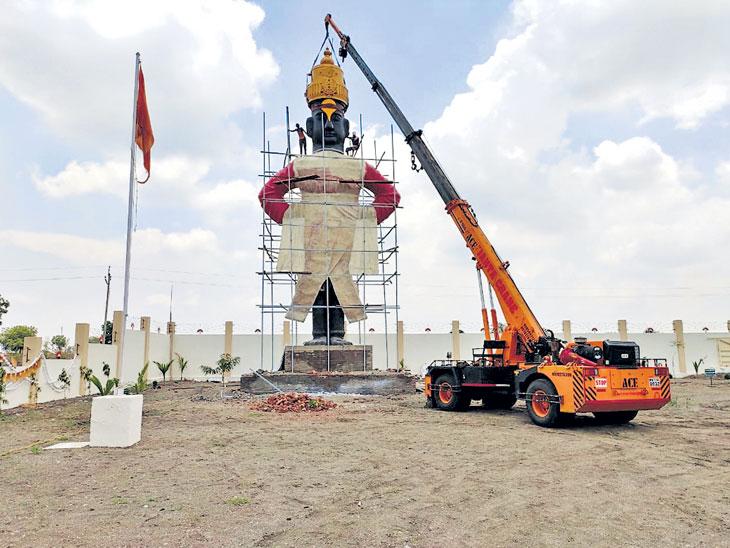 वाटूर येथे साकारतेय महाराष्ट्रातील पहिली ५१ फूट उंच विठुरायाची मूर्ती|औरंगाबाद,Aurangabad - Divya Marathi