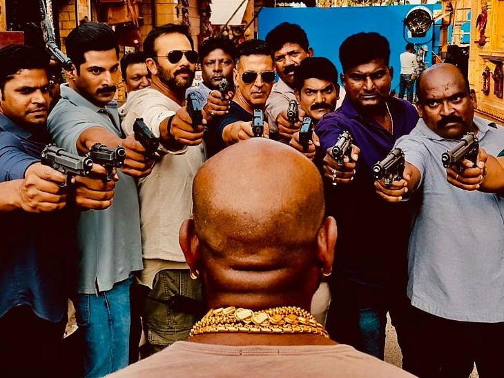 अक्षयचे अॅक्शन शेड्यूल संपले, यामुळे फाइट मास्टरवर रोखली बंदूक; म्हणाला - ...तेव्हा फाइट मास्टरला शूट करने बाकी राहते| - Divya Marathi