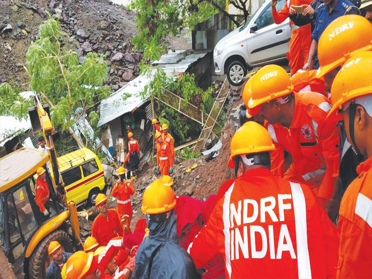 पुण्यात  : कोंढवा परिसरात सोसायटीची भिंत कोसळून 15 मजुरांचा मृत्यू, तिघांना जिवंत बाहेर काढण्यात यश; शासनाकडून मृतांच्या नातेवाईकांना 4 लाखाची मदत|पुणे,Pune - Divya Marathi