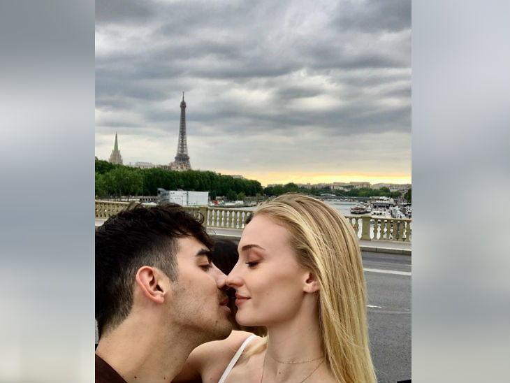 प्रियांकाचा दीर जो आणि गेम ऑफ थ्रोन्स फेम सोफी यांचे पॅरिसमध्ये प्री-वेडिंग सेलिब्रेशन; रोमँटिक अंदाजात दिसले प्रियांका-निक  - Divya Marathi