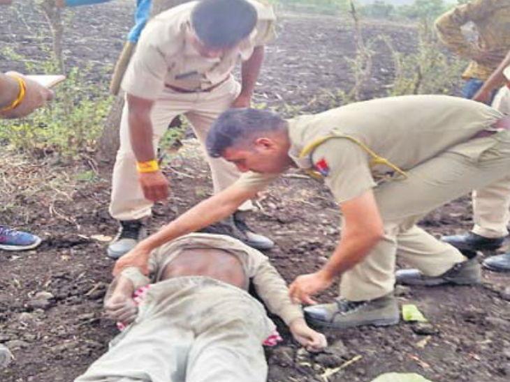 मुलाने आपल्या आईसोबत मिळून केली सख्ख्या बापाची हत्या, आधी मारहाण केली मग दगडाने ठेचले डोके...|देश,National - Divya Marathi