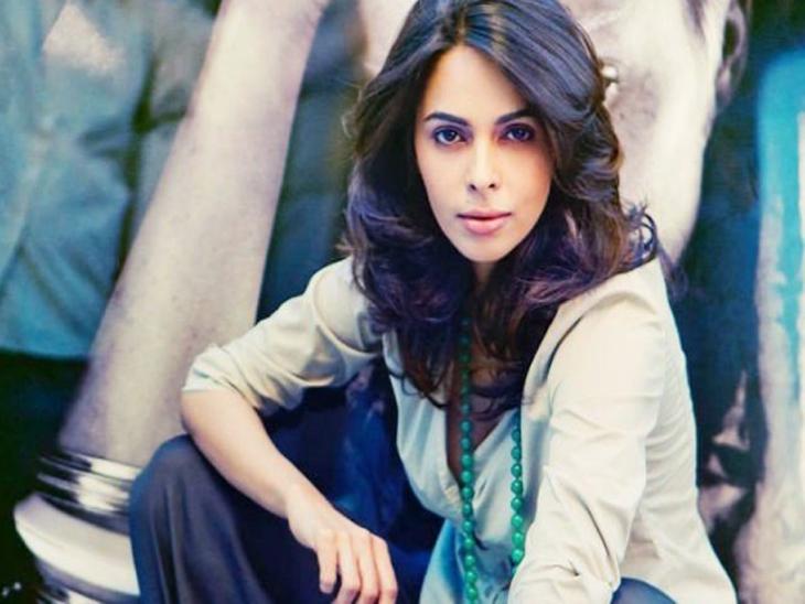 रिलेशन बनवण्यासाठी नकार दिल्यामुळे अनेक चित्रपटांमधून आउट झाली होती मल्लिका!| - Divya Marathi