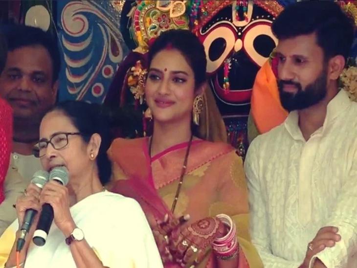 पती निखिलने गिफ्ट दिलेली साडी नेसून संसदेत पोहोचली होती नुसरत, स्वतः सांगितले आपली लव्हस्टोरी कशी सुरु झाली | - Divya Marathi