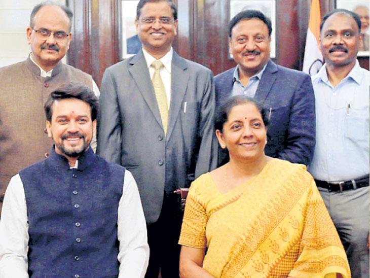 पाच वर्षांच्या नीचांकावर असलेला विकास दर २०१९-२० मध्ये ७ टक्क्यांवर जाणार : आर्थिक सर्वेक्षण|देश,National - Divya Marathi