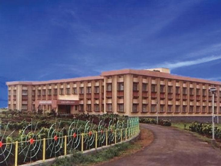 तुळजाभवानी अभियांत्रिकी महाविद्यालयात यावर्षी आत्महत्याग्रस्त शेतकऱ्यांच्या पाल्यांना मोफत प्रवेश औरंगाबाद,Aurangabad - Divya Marathi