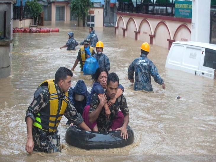 पूर आणि भुस्खलनामुळे 17 जणांचा मृत्यू, एका जिल्ह्यात 24 तासात 31 सेमी पावसाची नोंद|विदेश,International - Divya Marathi