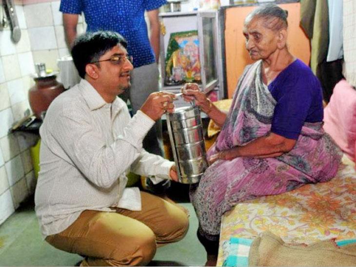 तारक मेहता मालिकेतील परेश यांचे दररोज २३५ वृद्धांना मोफत जेवण पुरवण्याचे अखंड सेवाव्रत|ओरिजनल,DvM Originals - Divya Marathi