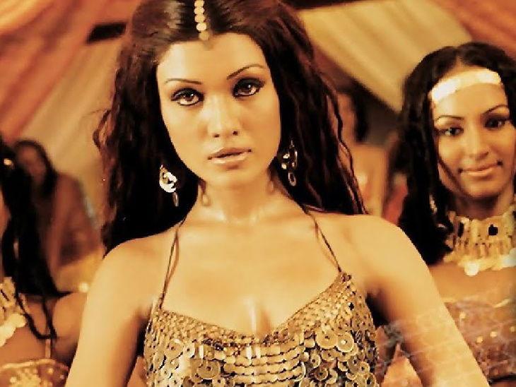 'साकी साकी' गाण्याच्या री-क्रिएटवर भडकली कोइना मित्रा, ट्वीटवर व्यक्त केला रोष; म्हणाली - गाण्याचे वाटोळे केले| - Divya Marathi